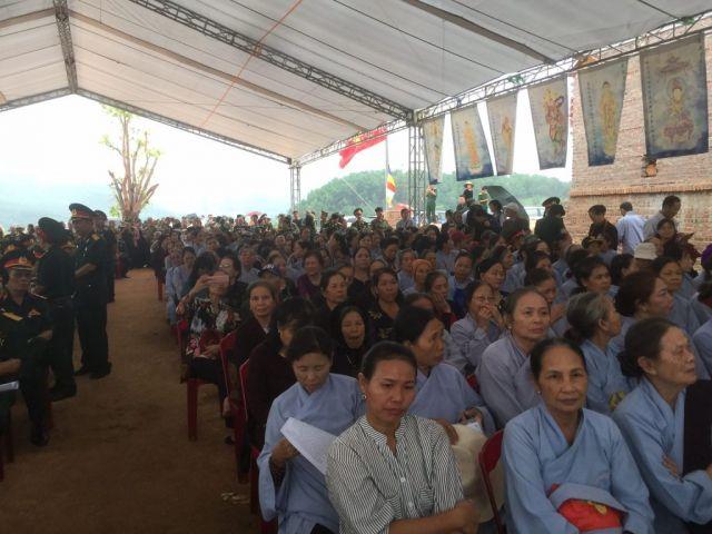 Le-an-vi-long-cot-Den-tho-Anh-Hung-Liet-Sy-Trung-doan-5-Yen-Tu-Quang-Ninh (15)