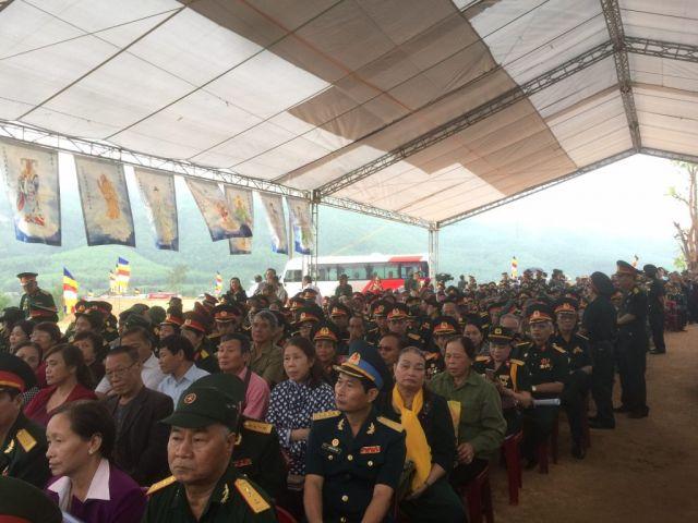 Le-an-vi-long-cot-Den-tho-Anh-Hung-Liet-Sy-Trung-doan-5-Yen-Tu-Quang-Ninh (17)