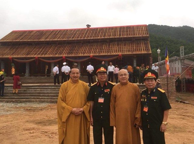 Le-an-vi-long-cot-Den-tho-Anh-Hung-Liet-Sy-Trung-doan-5-Yen-Tu-Quang-Ninh