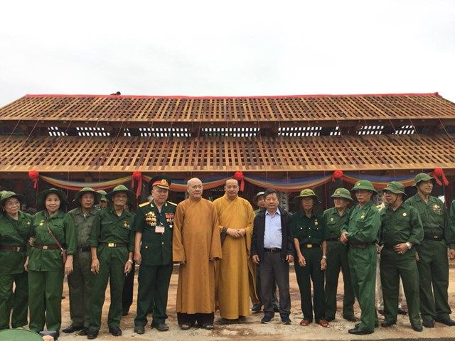 Le-an-vi-long-cot-Den-tho-Anh-Hung-Liet-Sy-Trung-doan-5-Yen-Tu-Quang-Ninh (23)