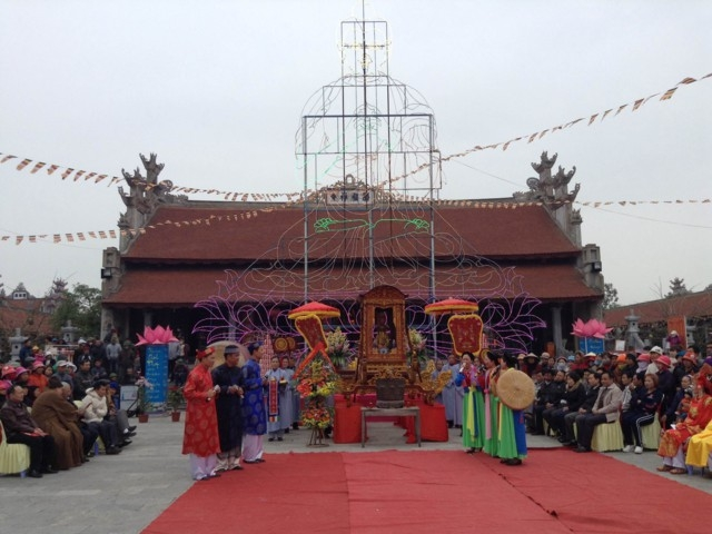 le-hoi-xuan-truyen-thong-chua-thang-phuc