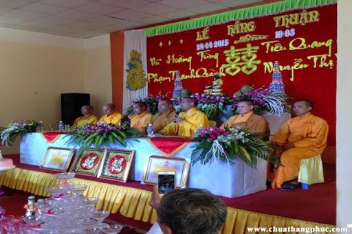 tai-chua-thang-phuc-hai-doi-ban-tre-to-chuc-le-hang-thuan